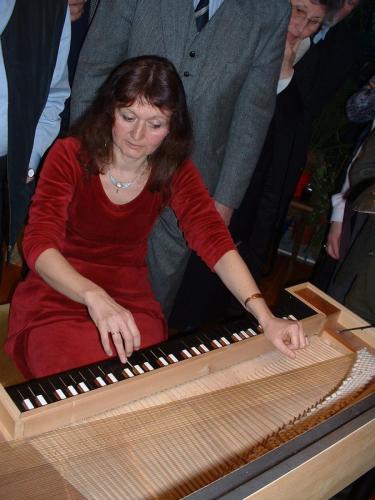 Wie funktioniert ein Clavichord?